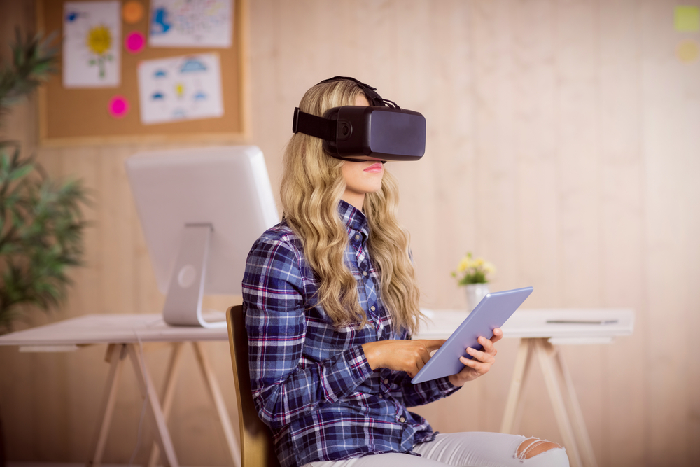 Virtual and augmented reality in the workplace